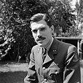 Portret van een onbekende eerste luitenant van de landmacht, Bestanddeelnr 255-8994.jpg