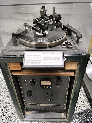 Acetate disc - Presto 8N Acetate disc engraver, 1950. Used by the Canadian Broadcasting Corporation to record radio programs.