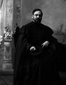 Professor Doutor Alfredo de Magalhães, de vestes talares.png