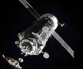 Docking and berthing of spacecraft - Image: Progress M 05M docking