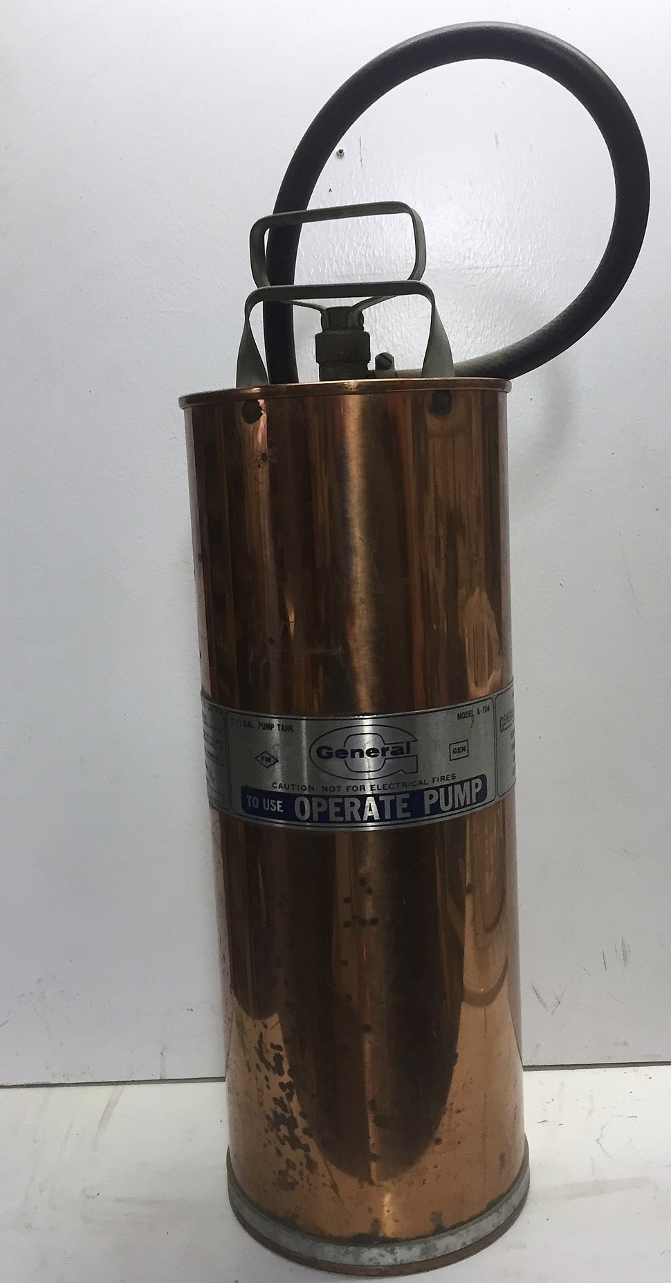 Pump-Type Water Fire Extinguisher