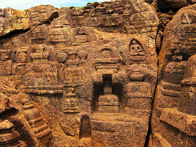 Top 10 Puzzling Anomalies Of India That No One Can Explain 400px-Pushpagiri_%28Langudi_Hill%29_-_Jajpur_-_Odisha_-_Buddhist_site_-_Rock-Cut_Stupas_-_2