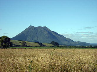 Putauaki - Pūtauaki (Mount Edgecumbe) from the north