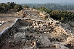 Qeiyafa western gate1