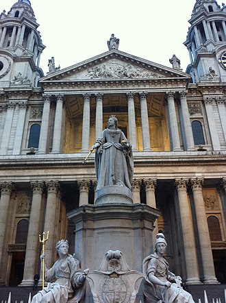 Francis Bird - Image: Queen Anne by Francis Bird, reproduction of original erected 1712, St Paul's Cathedral, London