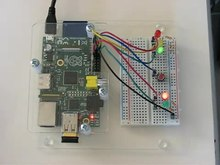 Datei:Raspberry Pi with breadboard.webm