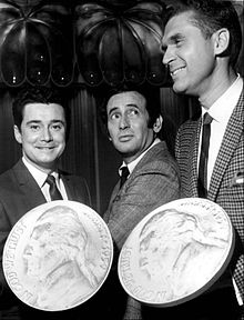Regis Philbin Joey Bishop Johnny Mann Joey Bishop Show 1969.JPG