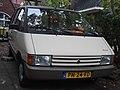 Renault Espace 2000 GTS (10608046944).jpg