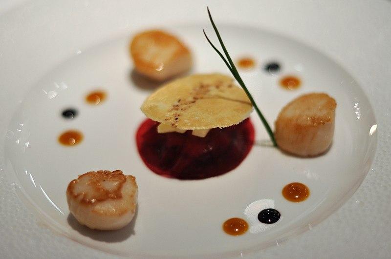 File restaurant le jardin des sens kammuslinger med ben for Restaurant le jardin des sens