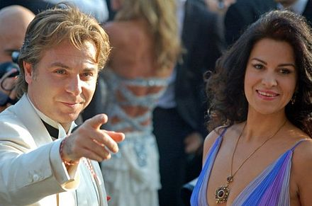 Angela Gheorghiu and Roberto Alagna at the 2006 Cannes Film Festival Roberto Alagna Angela Gheorghiu Cannes.jpg
