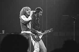 English: Roger Daltrey and Pete Townshend of T...