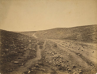 Photojournalism - Image: Roger Fenton Shadow of the Valley of Death