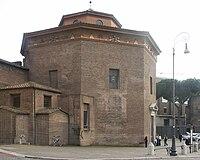 Rom, San Giovanni in Laterano, Baptisterium, Außenansicht 2.jpg