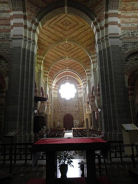 Transept et nef de l'église de Saint-Malo-de-Phily (35).