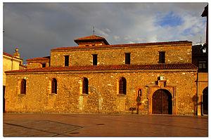 San Tirso, Oviedo - Image: San Tirso de Oviedo 1