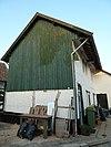 Vakwerkhuis met geschoord dakoverstek
