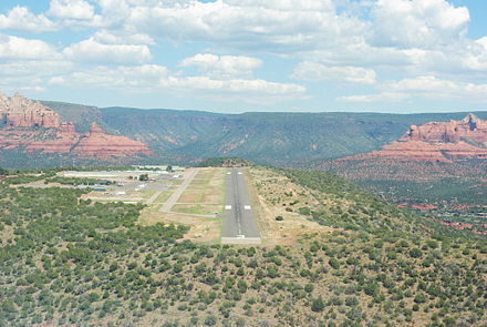 Sedona Airport viewed from the south, showing its location atop Airport Mesa SedonaAirport.JPG