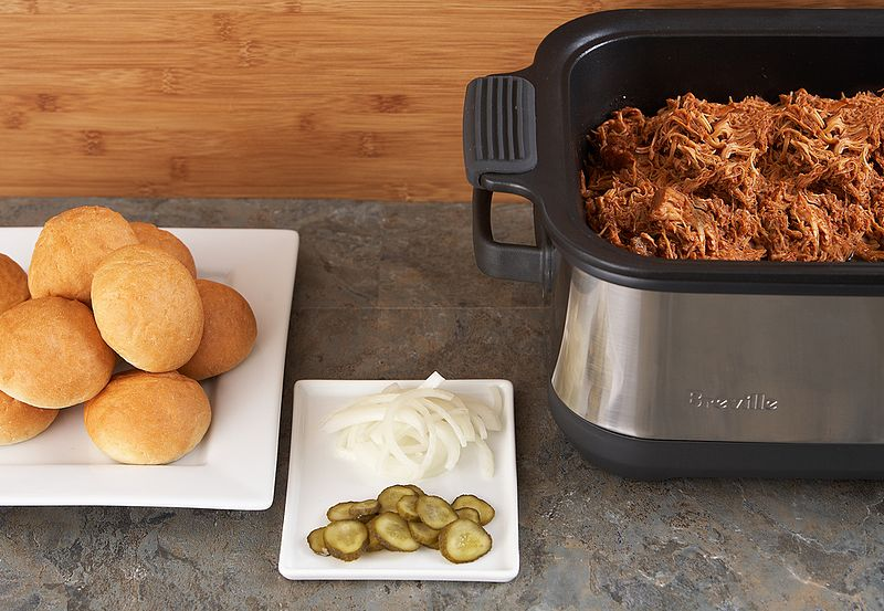 File:Shredded Slow Cooker Chicken with BBQ Sauce 2of4 BSC560XL (8735185713).jpg