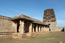 Side view of Madhavaraya Swamy temple, Gandikota.JPG