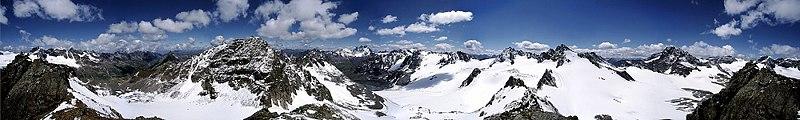 Petit récapitulatif sur la Suisse 800px-Silvretta_Panorama_wiki_mg-k