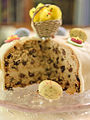Simnel cake (sliced) (13071167694).jpg