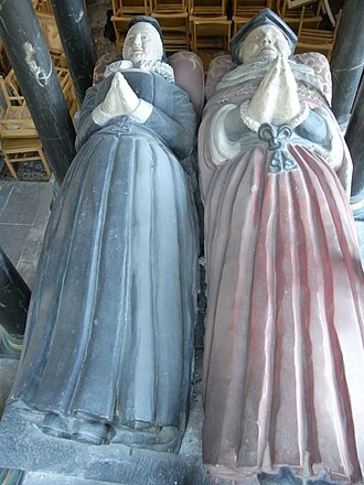 John Popham (judge) - Effigies of Sir John Popham and his wife Amy Adams, Wellington Church