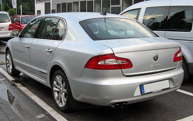 Skoda Superb II 20090611 rear