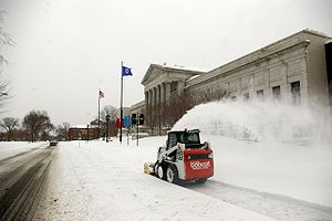 Skid-steer loader - Image: Snow Minneapolis 2007 02 25