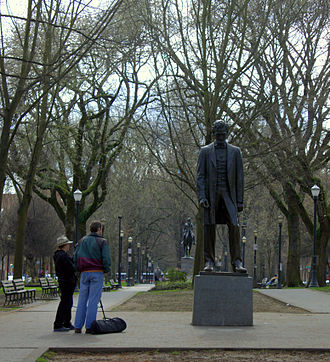 South Park Blocks - The statues Abraham Lincoln and Theodore Roosevelt, Rough Rider in the South Park Blocks