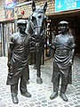 Stables Market horse and stablemen sculpture - geograph.org.uk - 1712737.jpg