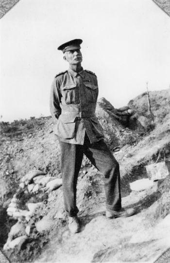 English: Captain Wright at Gallipoli.