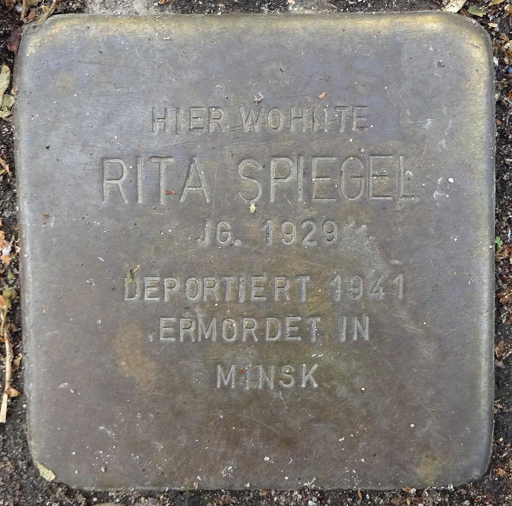 Stolperstein Karolinenstraße 27-28 (Rita Spiegel) in Hamburg-St. Pauli.JPG