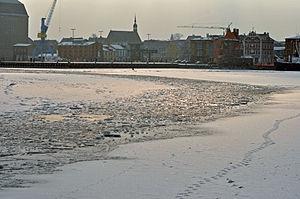Stralsund, Hafeneinfahrt (2012-02-05), by Klugschnacker in Wikipedia.jpg