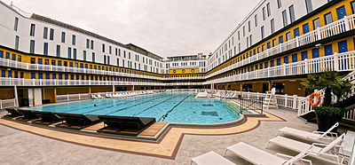 Piscine molitor wikipedia for Molitor swimming pool paris