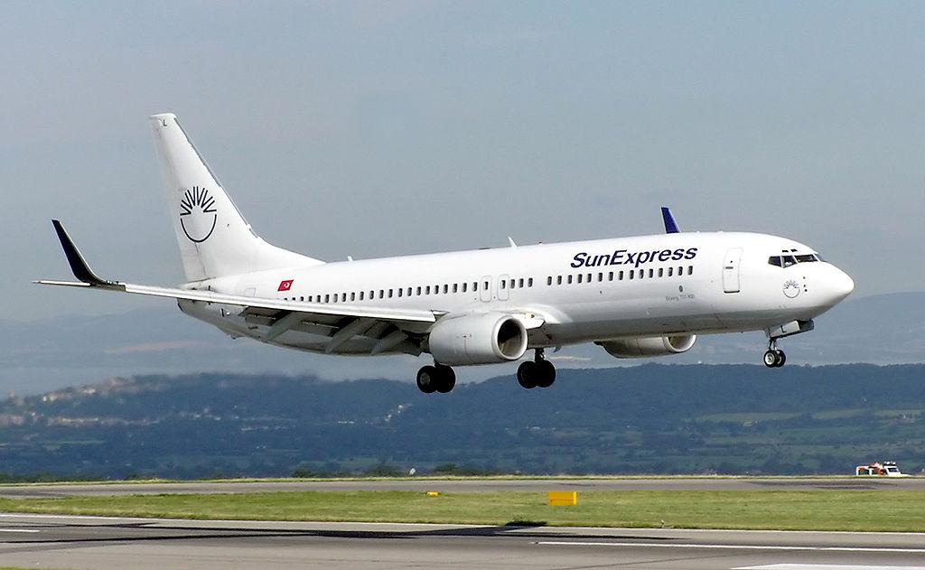 Boeing 737 ( avión de reacción de pasajeros de fuselaje estrecho de corto a medio alcance USA ) 1024px-Sunexpress.b737-800.tc-sul.bristol.arp