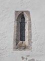 Szent István király templom, gótikus ablak, Inota, 2017 Várpalota.jpg