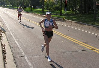 Svetlana Ponomarenko - Ponomarenko leading at the 2007 Twin Cities Marathon
