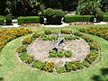 Taronga garden clock - zahradní hodiny zoo Taronga - panoramio.jpg