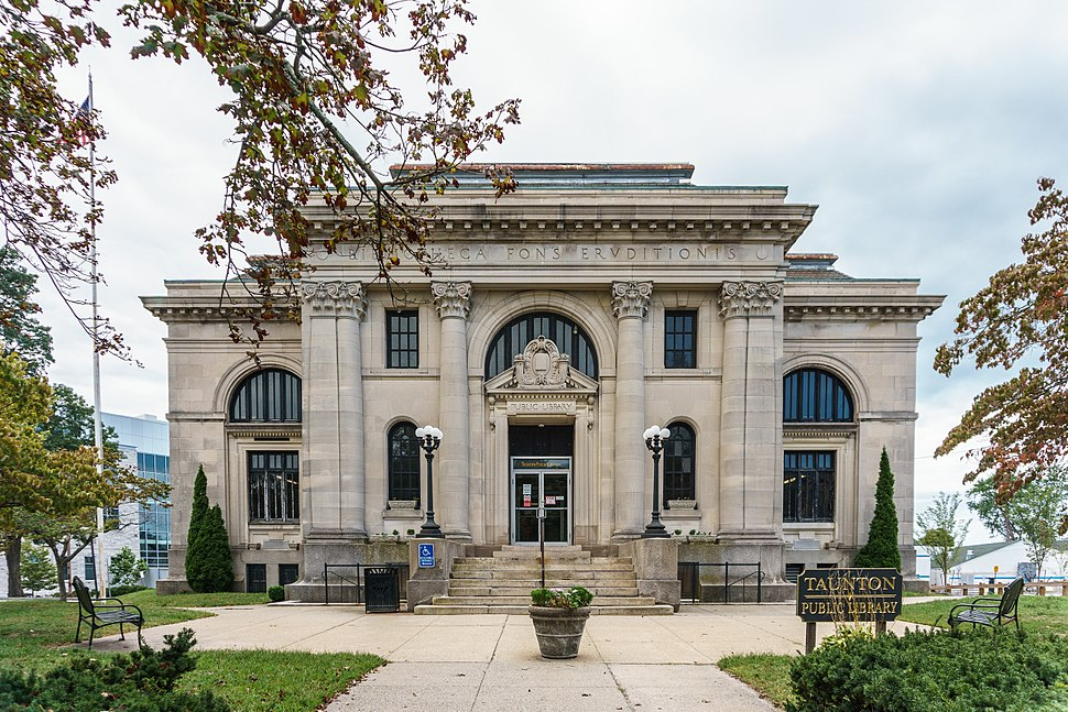 Taunton Public Library front view 2015