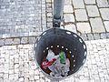 Teplice, náměstí Svobody, odpadkový koš (01).jpg
