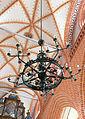 Teterow St. Peter und Paul Kronleuchter1.jpg