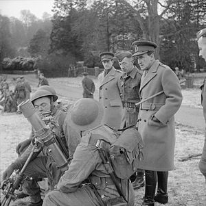 Bernard Paget - Lieutenant General Sir Bernard Paget, C-in-C Home Forces, inspecting a 3-inch mortar crew, 9 January 1943.