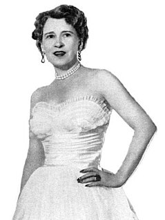 Thelma Furness, Viscountess Furness 20th-century noblewoman and royal mistress