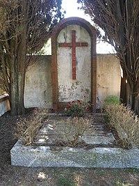 Tomba di Luigi Devoto.jpg