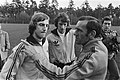 Training Nederlands elftal i.v.m. wedstrijd België Knobel en Neeskens (links) e, Bestanddeelnr 928-5329.jpg
