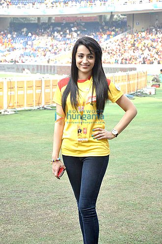 Aadavari Matalaku Arthale Verule - Image: Trisha at Celebrity Cricket League, 2014