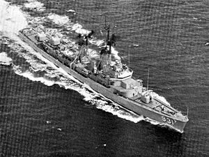 USS Forrest Sherman (DD-931) underway c1973