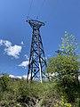Un pilône électrique à Embrun (mai 2021).jpg