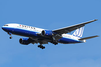 United Airlines B777-200 N780UA.jpg