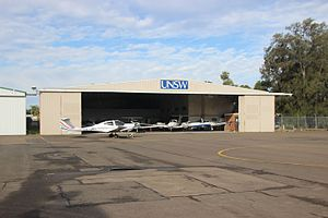 UNSW Faculty of Science - UNSW School of Aviation hangar at Bankstown Airport, with some of the school's training aircraft